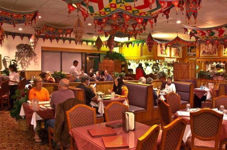 Why People Visit an Indian Restaurant in Denver